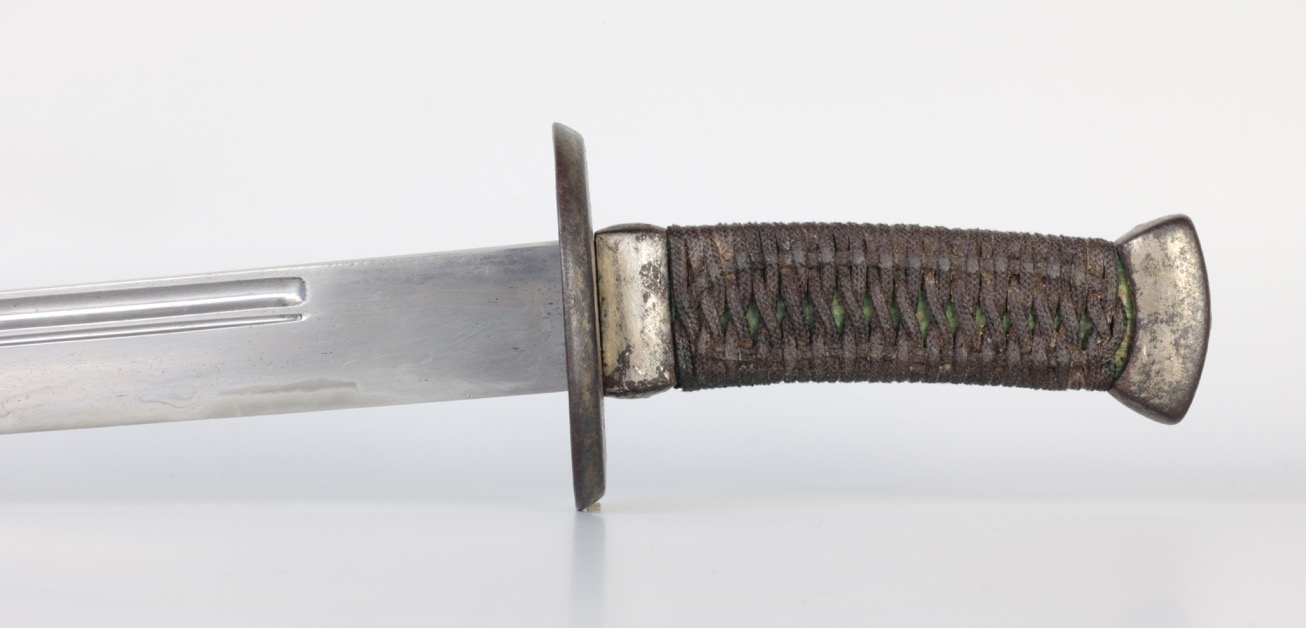 A Chinese saber with naginata inspired groove configuration. www.mandarinmansion.com
