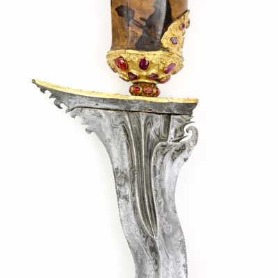Balinese keris with golden decoration