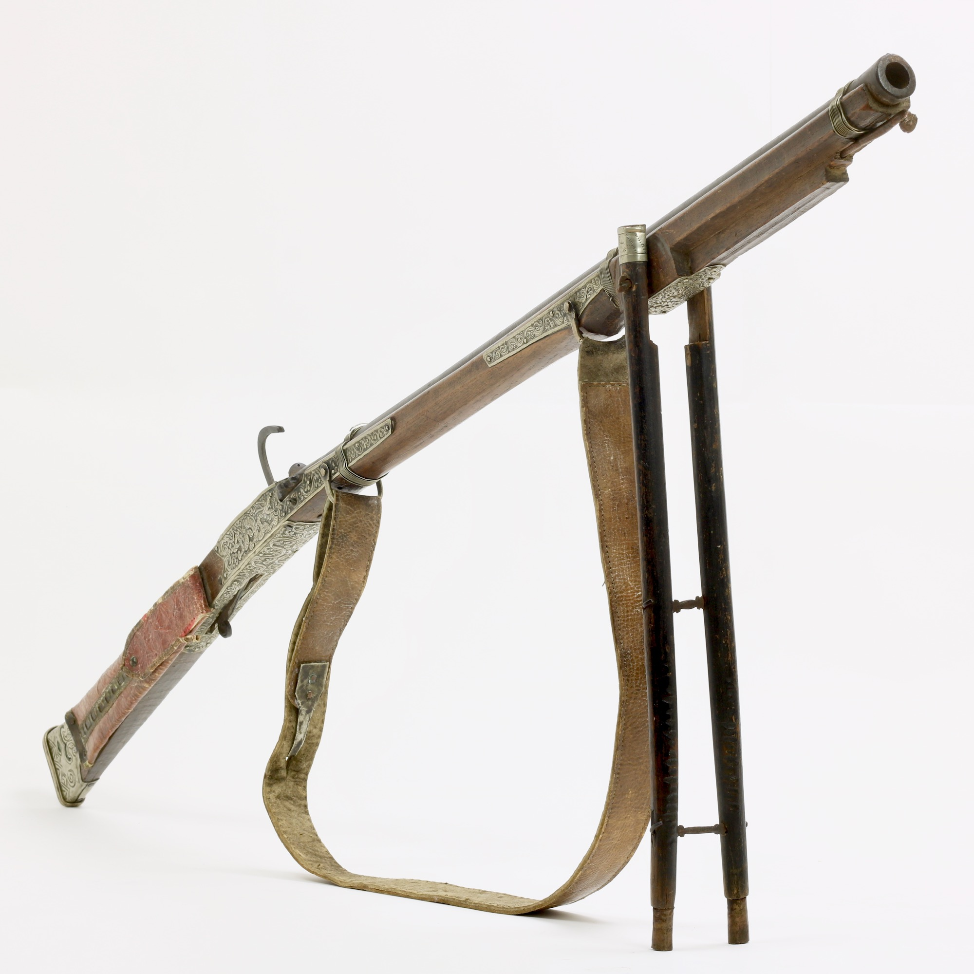 An antique Tibetan matchlock musket. www.mandarinmansion.com